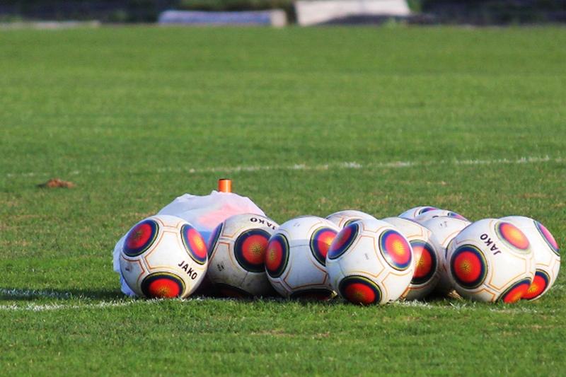 В Украине разрешили привлекать зрителей на футбольные матчи