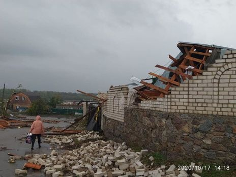 В Кропивницком бушевала буря, есть пострадавшие
