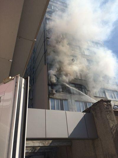 В многоэтажке Николаева полностью сгорел балкон
