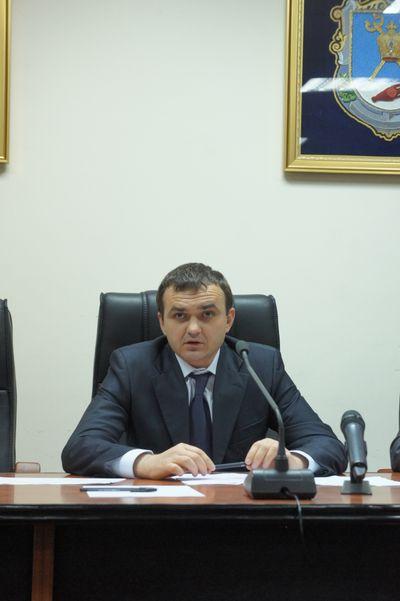 Мерикову известно о молодчиках, которые готовят срыв выборов на 132 округе