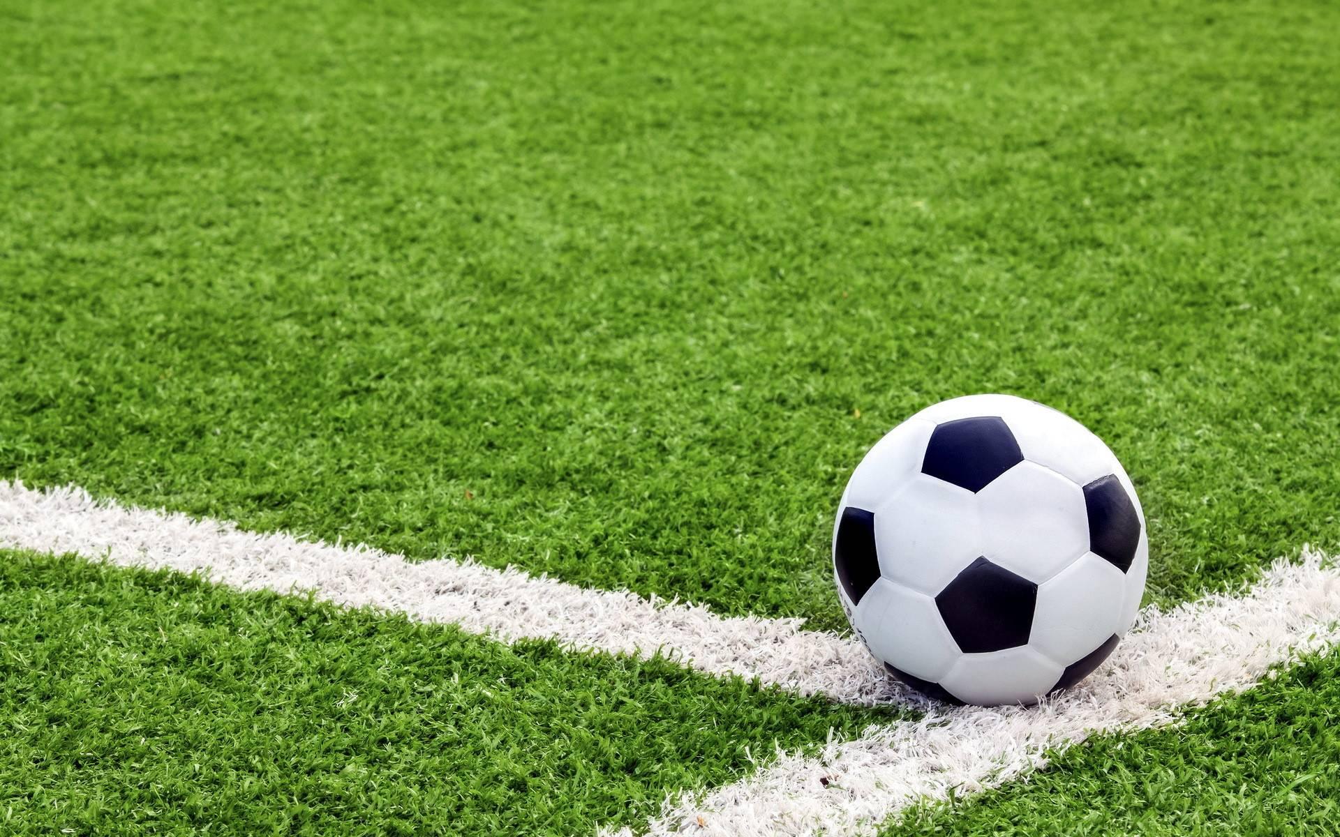 Как делить поля? Николаевские футболисты разрешили наболевший вопрос тренировок