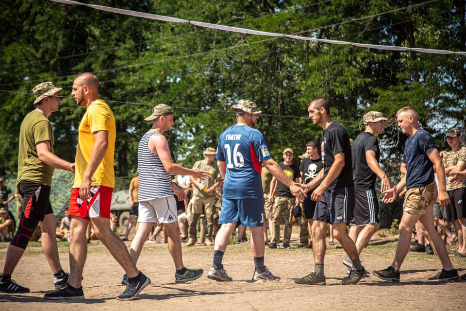 Николаевские морпехи посвятили волейбольный турнир погибшей боевой сестре