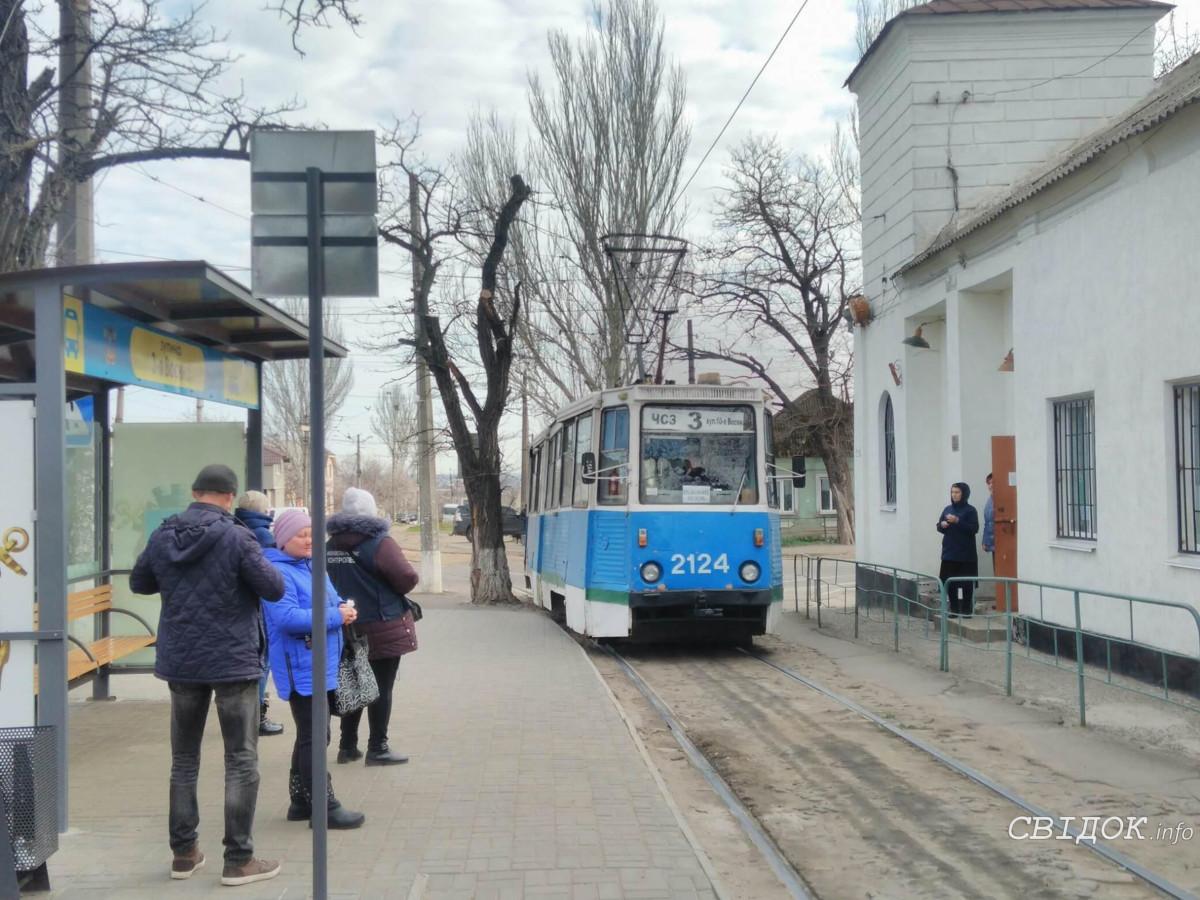В Николаеве до 1 июня сохраняется отмена льгот на проезд в рабочую перевозку