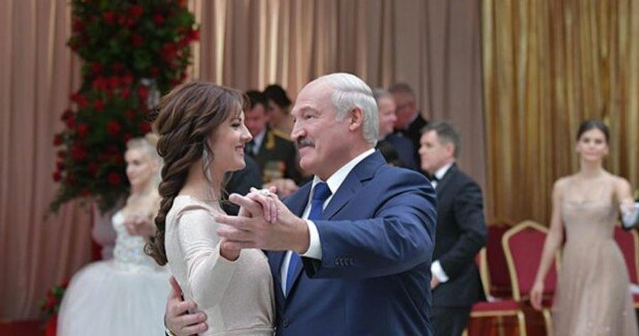 Александр Лукашенко пришел на Венский бал в компании молодой модели