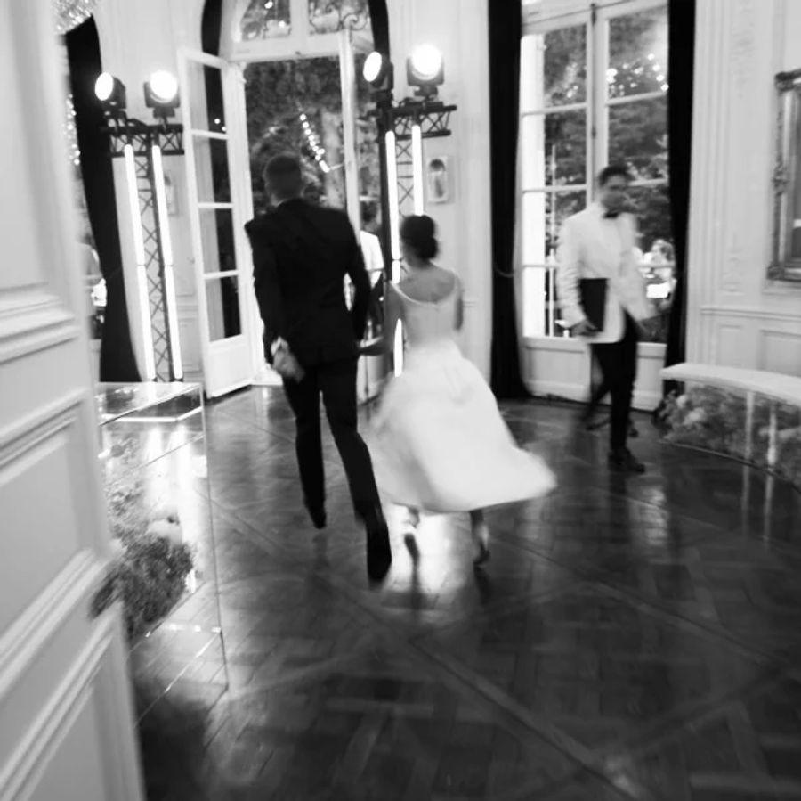 Зои Кравиц показала фото со своей свадьбы