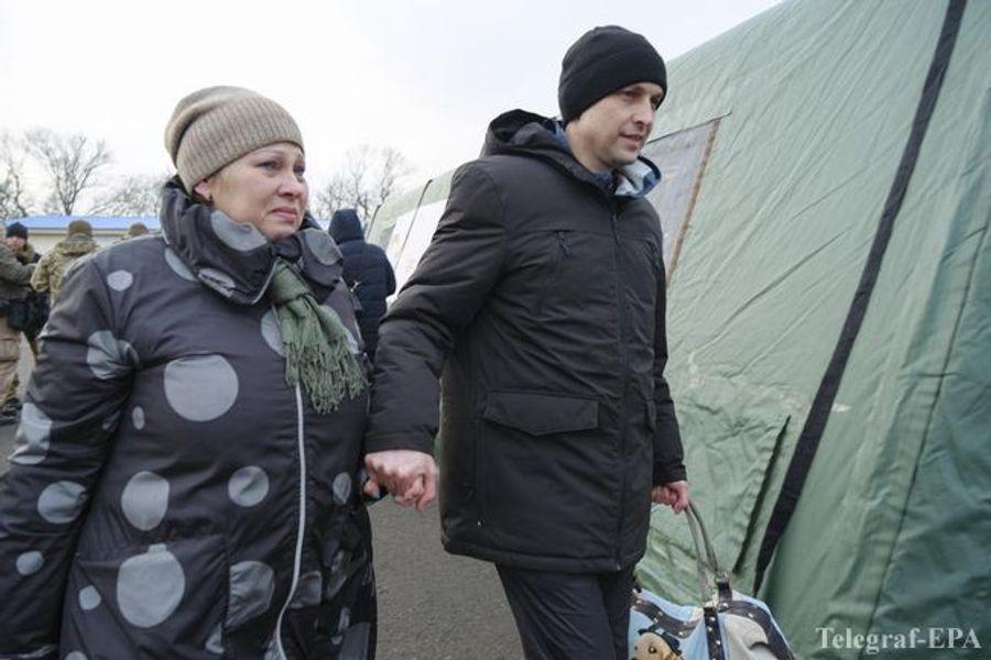 Как Киев и ОРДЛО обменивались пленными: фоторепортаж