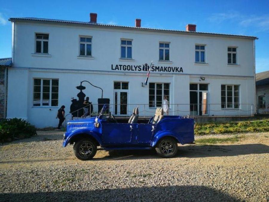 Необычный гибрид ГАЗ-69 и Nissan Terrano из Латвии