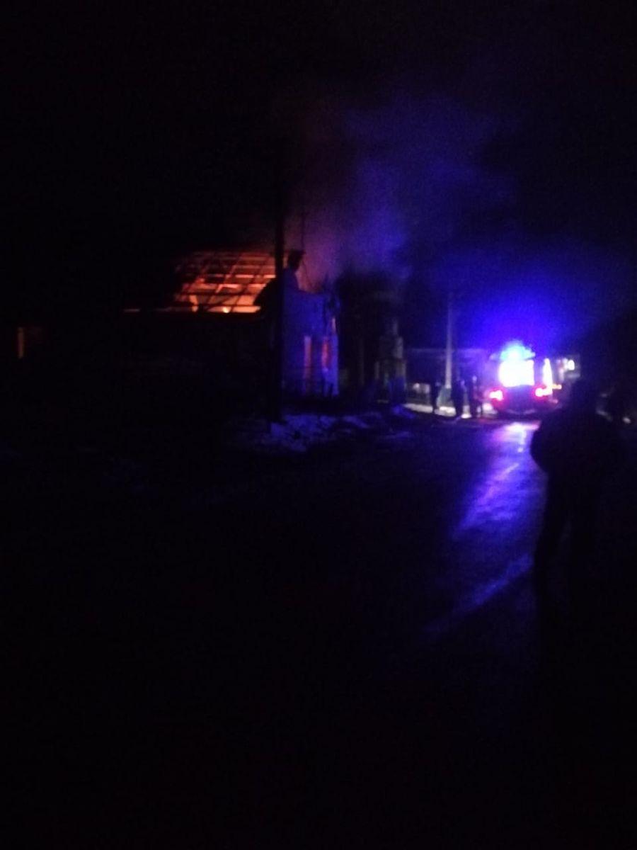 В сельском клубе под Тернополем восемь детей едва спаслись после пожара