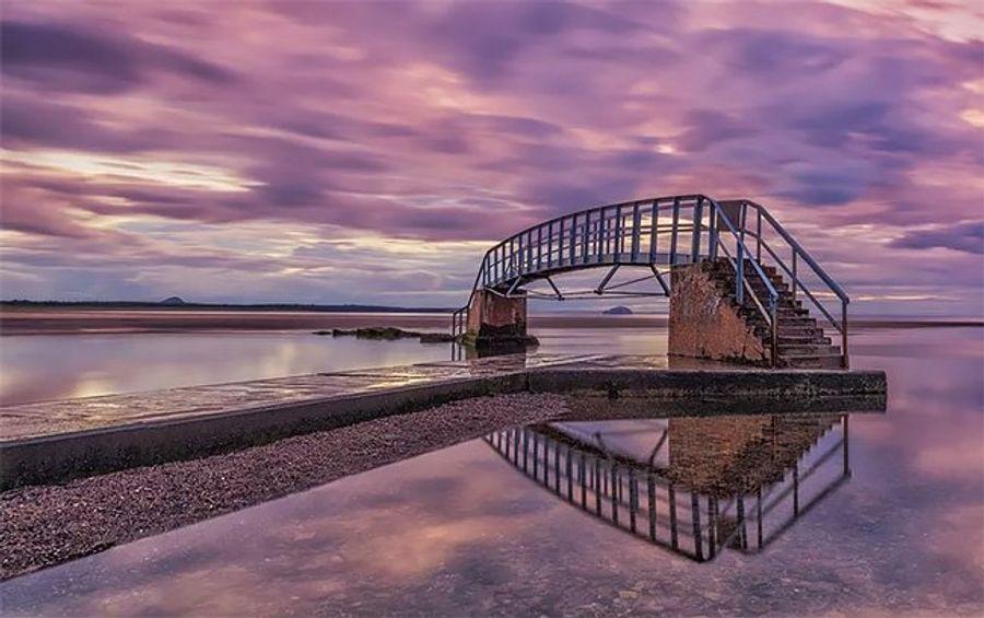 Необычный мост Белхейвен в Шотландии