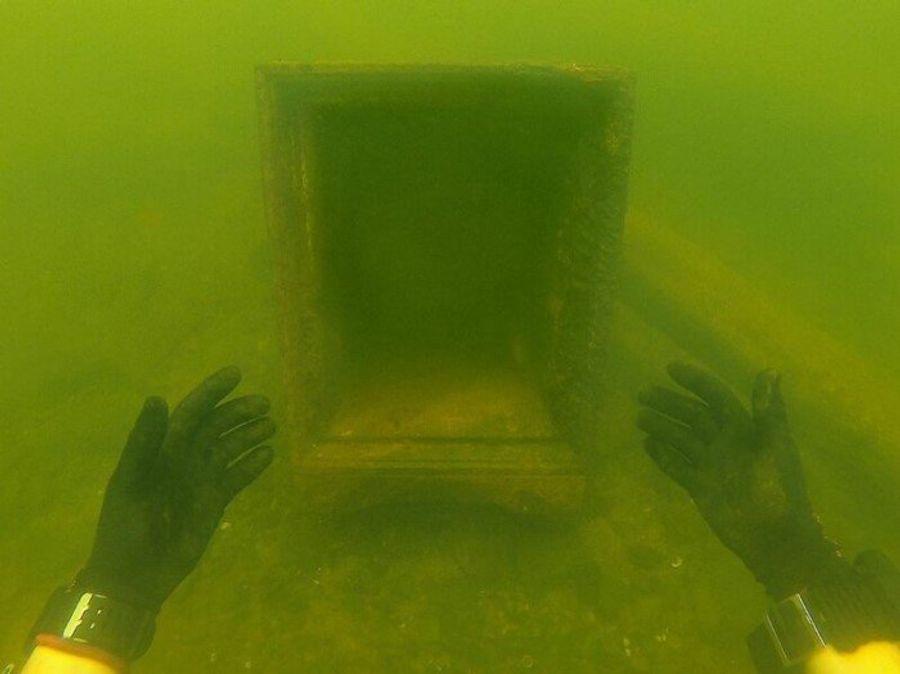 Находки охотника за сокровищами с морского дна