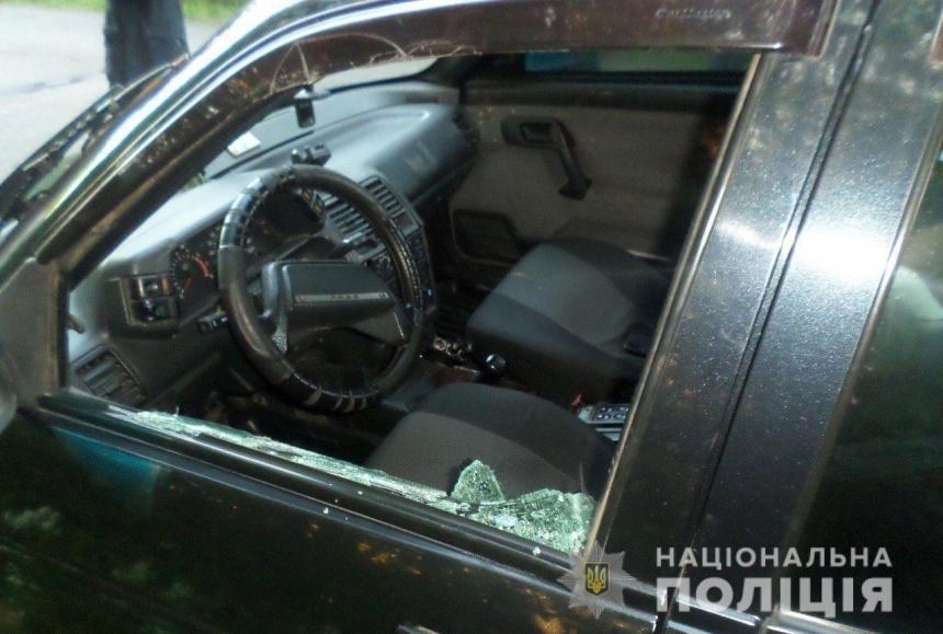 На Николаевщине с погоней задержали троих парней, угнавших такси