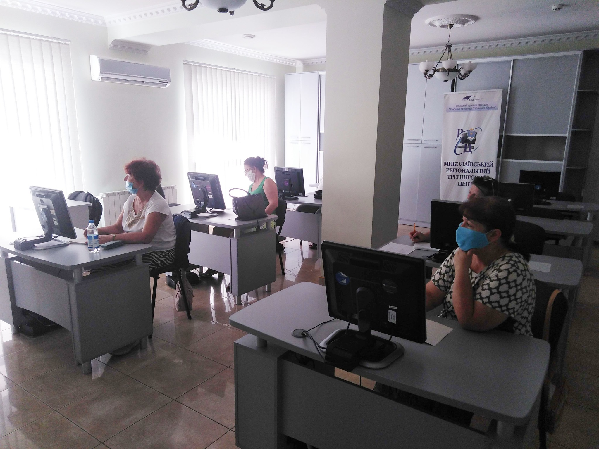 Николаевцы почтенного возраста научились азам виртуального общения