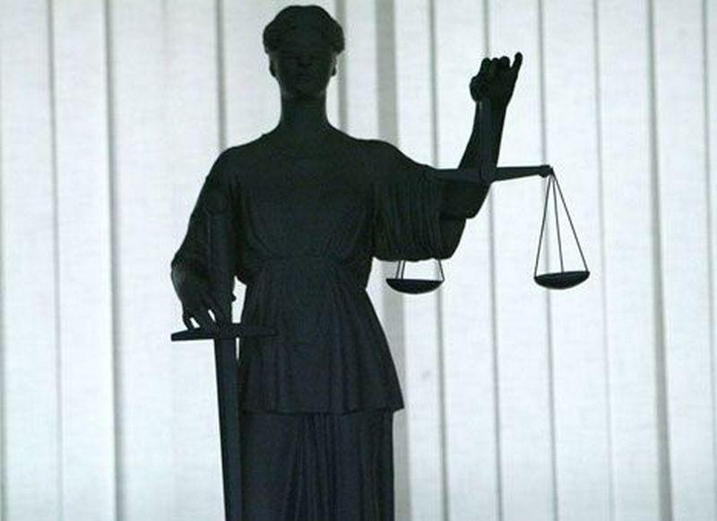 Суд арестовал двух несовершеннолетних, которые до смерти избили мужчину в Новом Буге