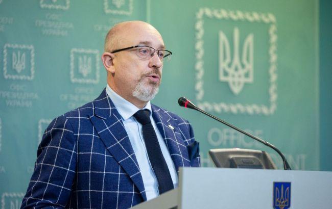 Украина готовит к открытию два КПВВ и новое разведение войск на Донбассе – Резников